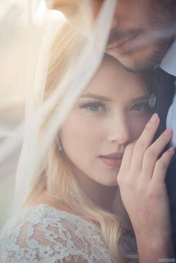 Top 20 Romantic Wedding Photo Pose Ideas Night Wedding Photos Romantic Wedding Photos Wedding Photos Poses