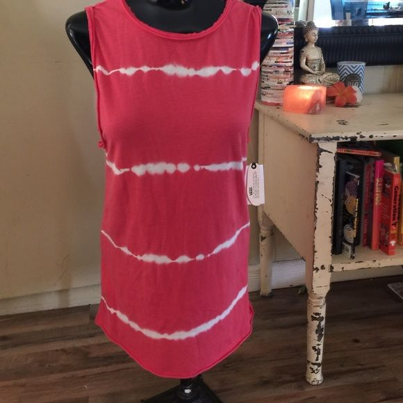 NWT vans tie dye muscle tank Size xs but it is made big to fit loose. I think a size small and medium could wear this shirt as well. Cute coral pink color with white tye dye design Vans Tops Muscle Tees