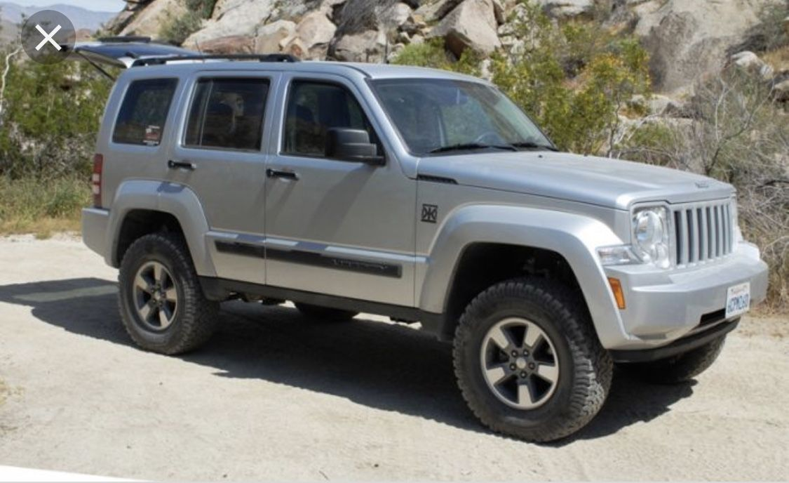 Pin by C Silva on Four doors and a lift Jeep liberty