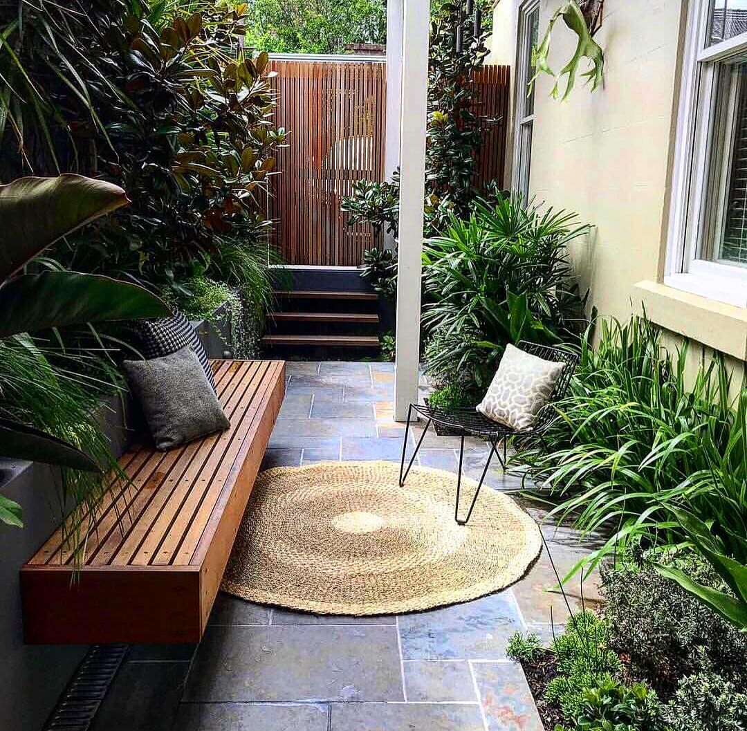 Making The Most Of This Small Condo Backyard Concrete Tile Work Elevated Wood Bench Beaut Courtyard Gardens Design Townhouse Garden Small Courtyard Gardens Small townhouse backyard patio ideas