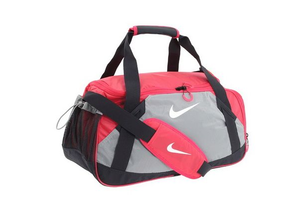 7e1f0331d159 I would like a gym bag with a strap - I m not partial towards any brand