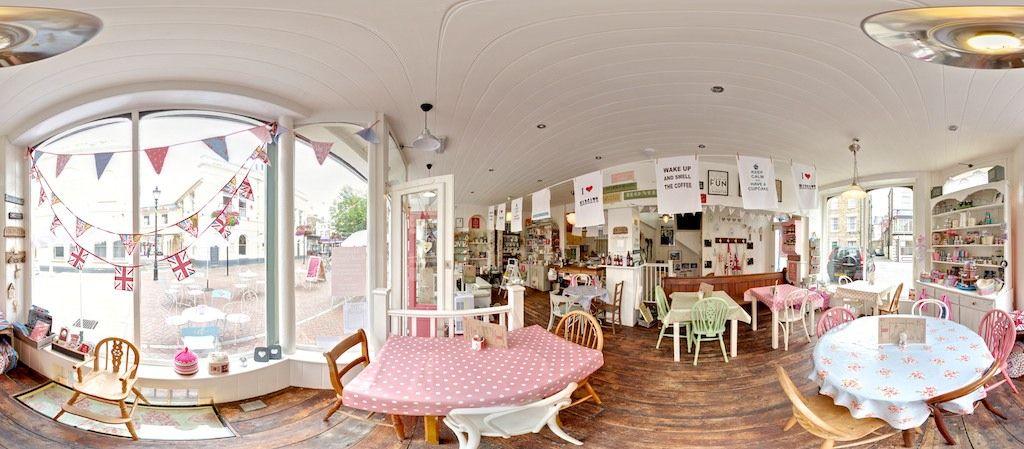 Cupcake and tea shop :)