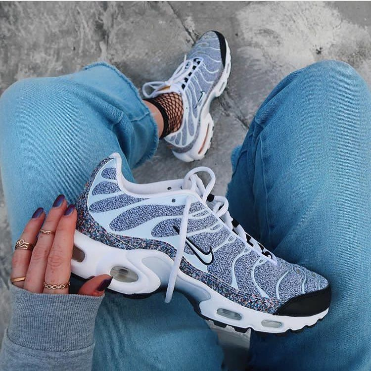 the latest 74c4e ec359 AIR MAX TN PLUS reactive earth