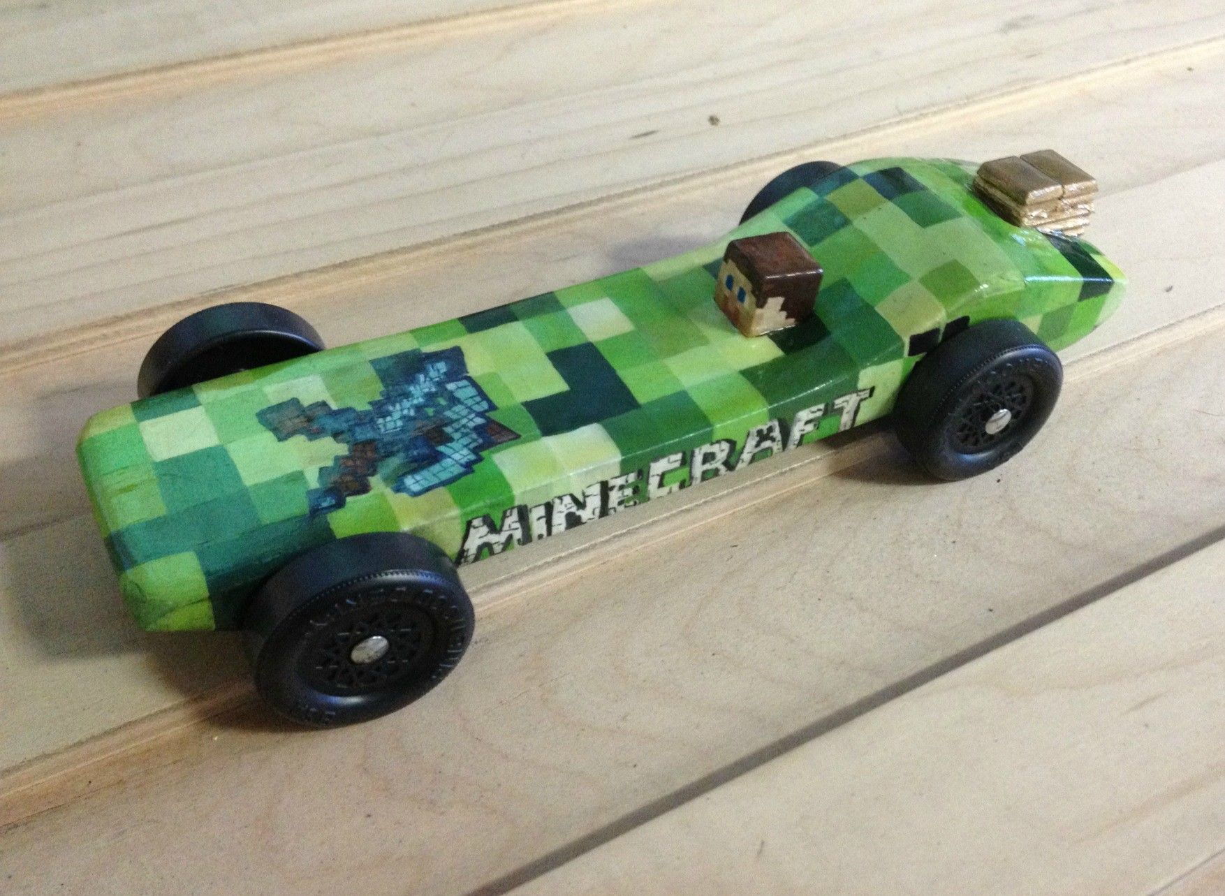 I see your stevie minecraft car and submit this one for for Boy scouts pinewood derby templates