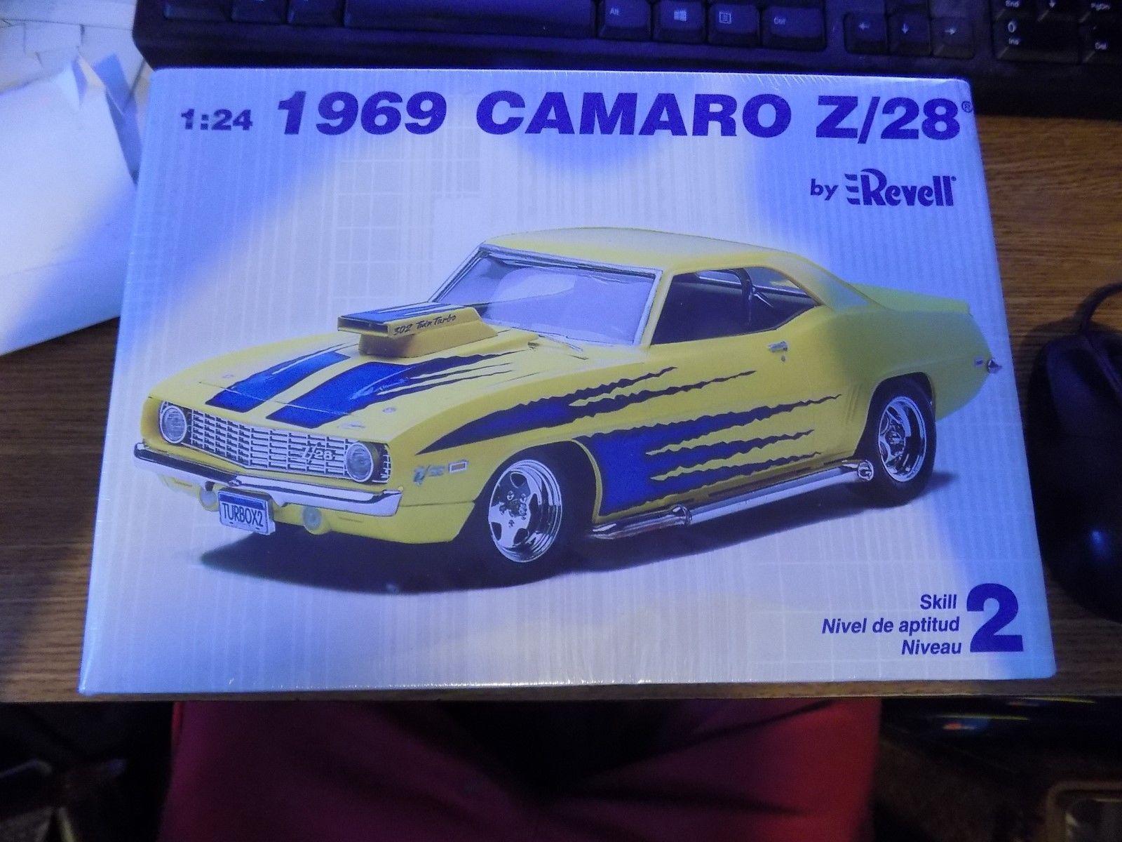 Details zu 1969 REVELL CAMARO Z-28 WITH TURBO HOOD SCOOP