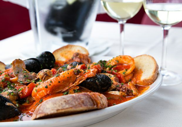 The 4 Best Seafood Restaurants In Jersey City