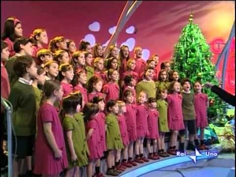 Albero Di Natale Zecchino Doro.Girotondo Di Natale Testo Youtube Musica Di Natale Natale Canzoni Per Bambini