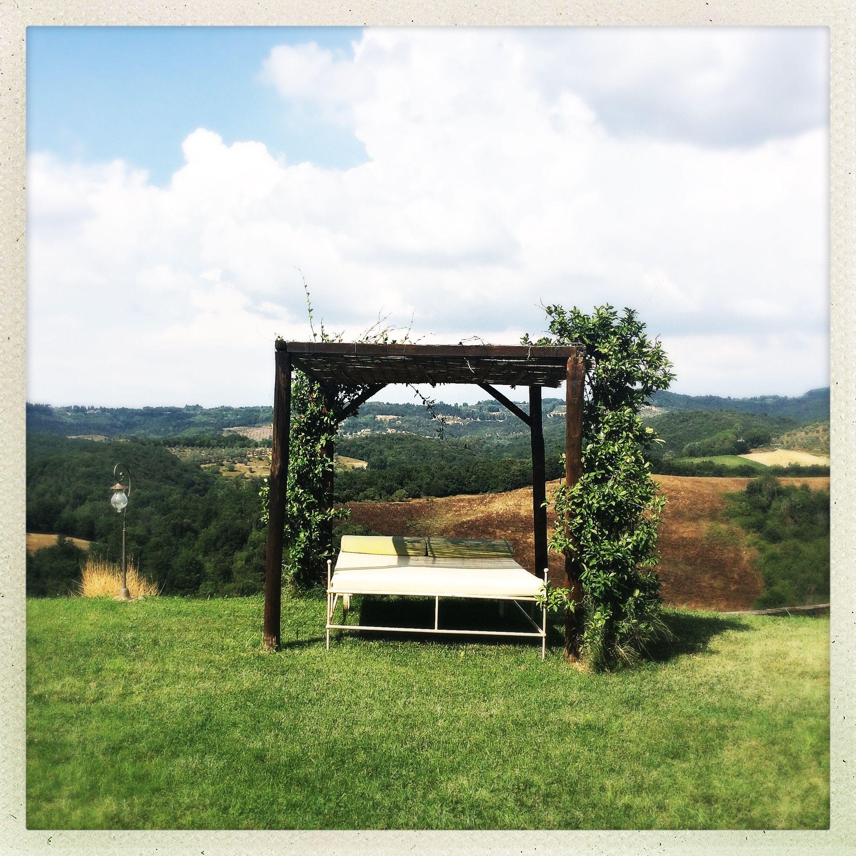 Outdoor furniture lit d extérieur Tuscan style Villa Ciggiano