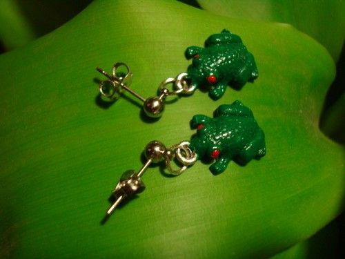 Nice tree frog earrings. $8.99