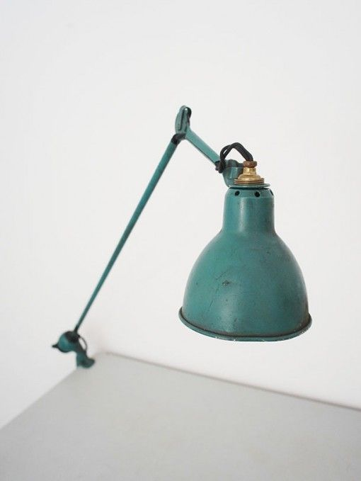 Semi-fixed green painted enamel lamp