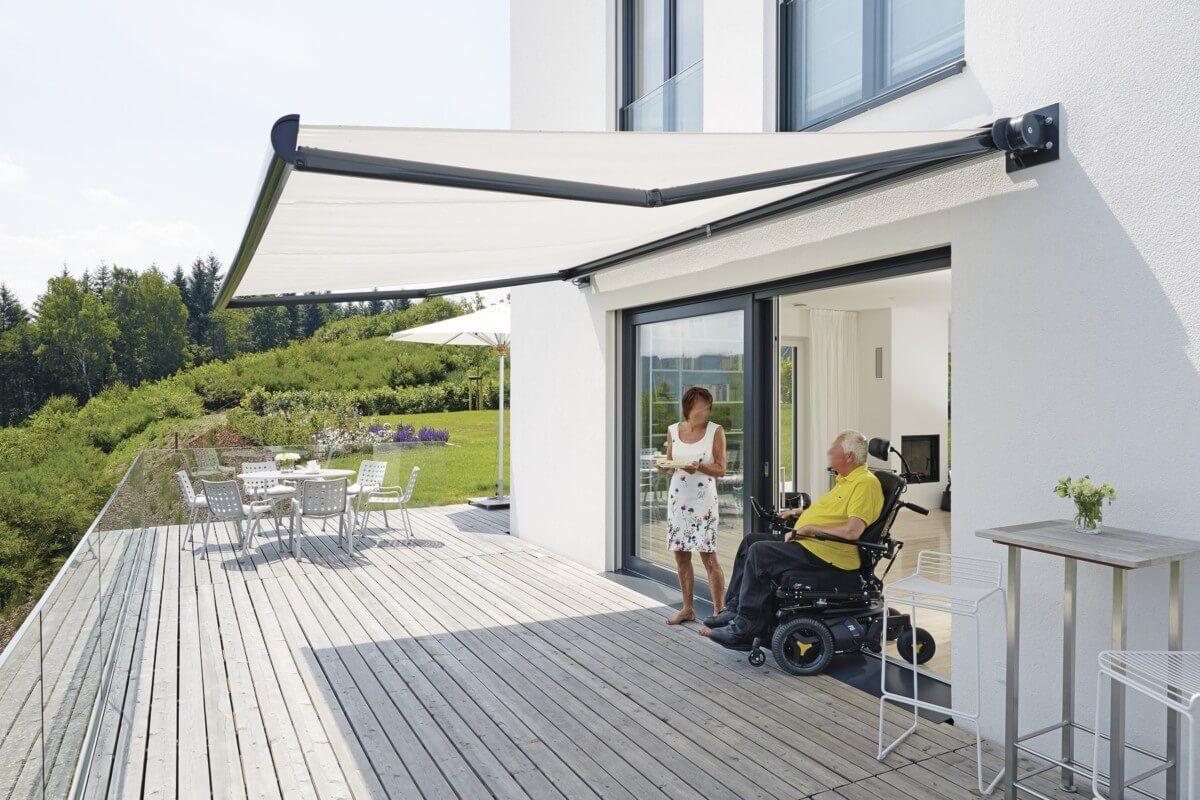 Terrasse Mit Holz Markise Gestaltet Terrassengestaltung Bauhaus