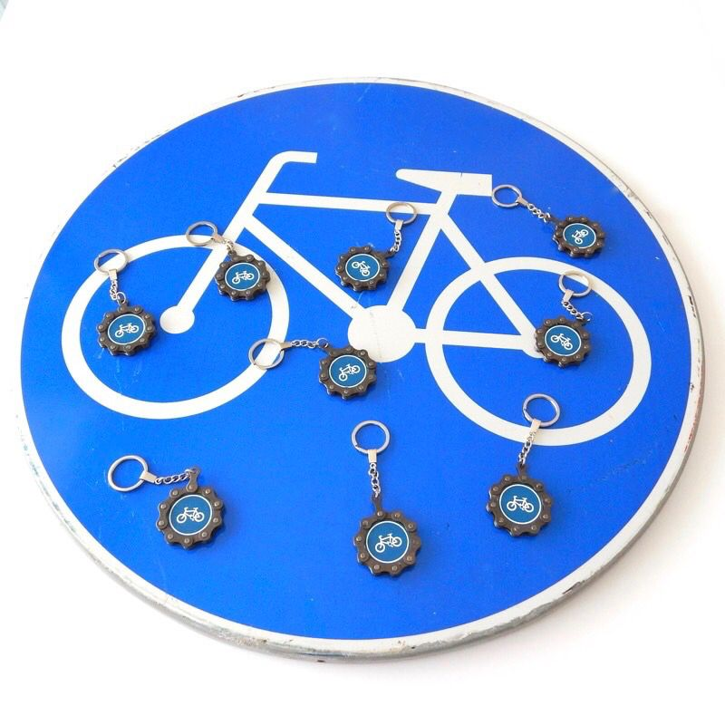 Cycling road sign bicycle chain keyring recycle