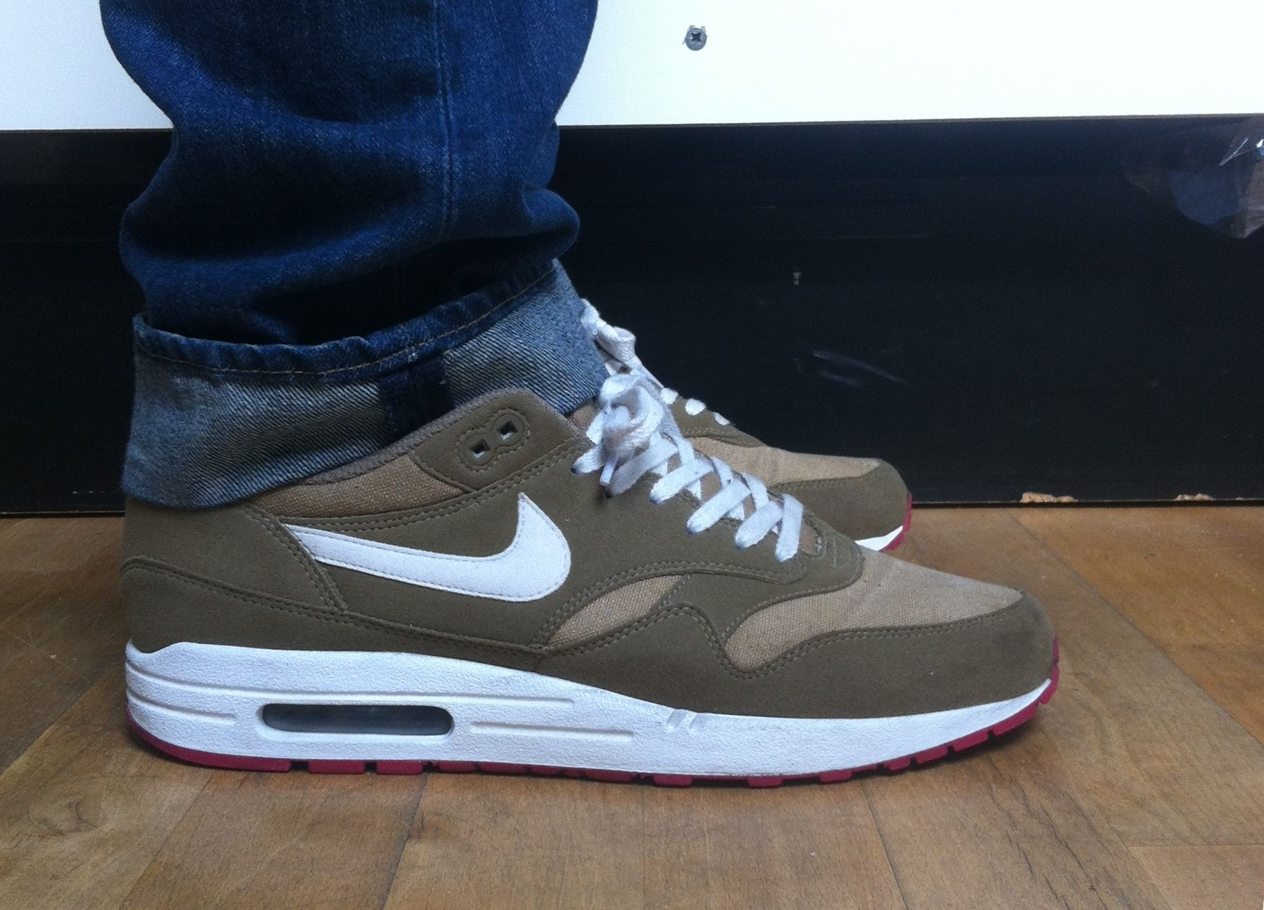 buy popular 0ab40 a8598 Nike Air Max 1 Kelp white laces ✓