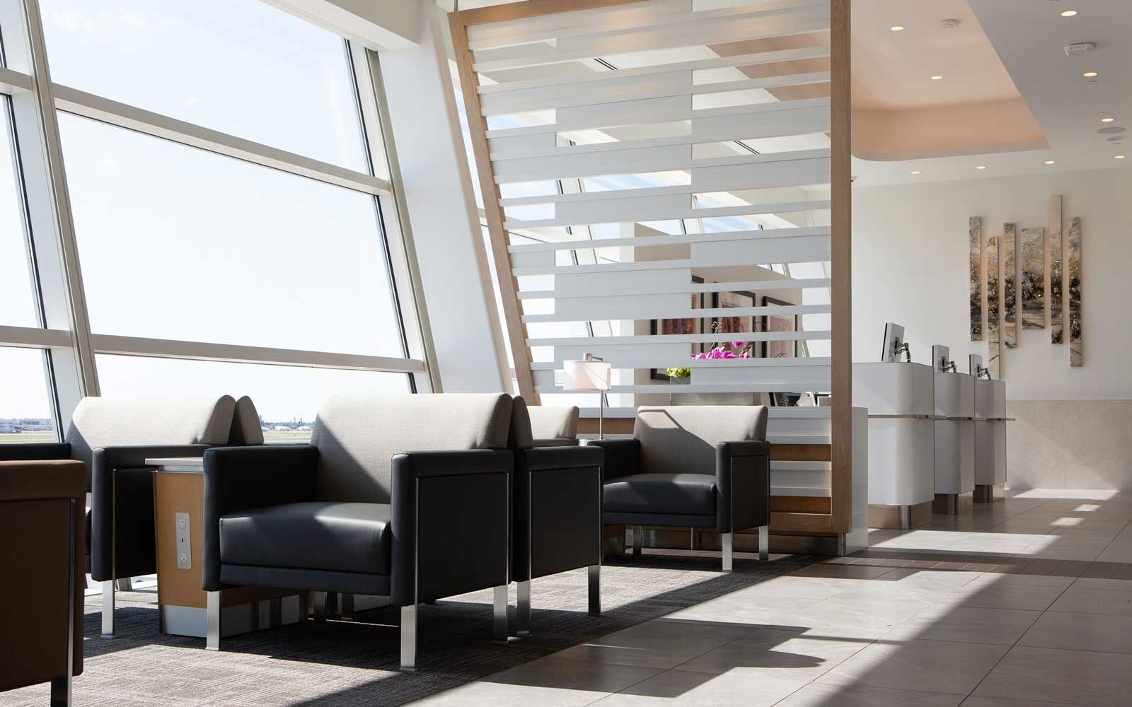 american airlines has a new lounge at dallas fort worth that