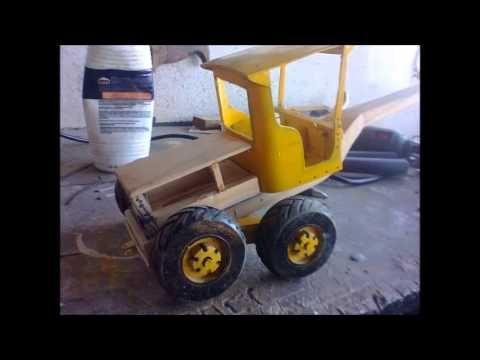 Miniatura artesanal feita em madeira da motoniveladora Caterpillar 120B. - YouTube