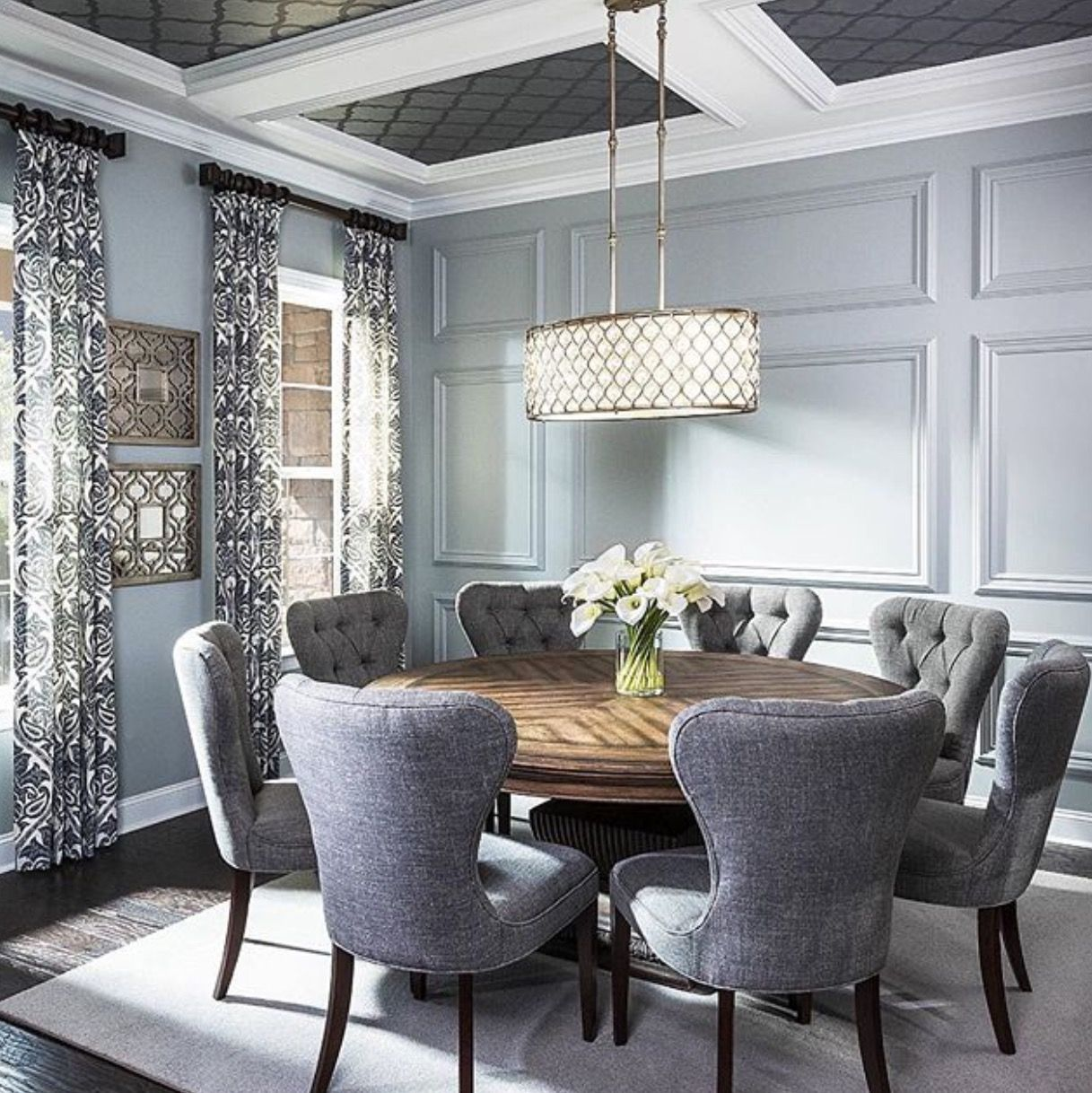 Simple Yet Chic Round Dinning Room Table, Round Table And Chairs, Round Dining  Room