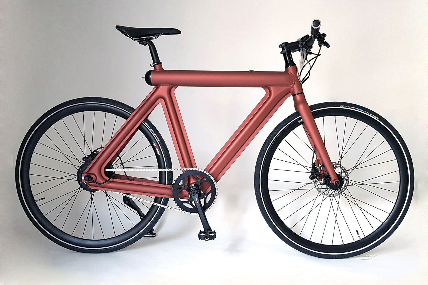 Leaos Pressed E Bike With An Invisible Drive Weighs Only 15 Kg In