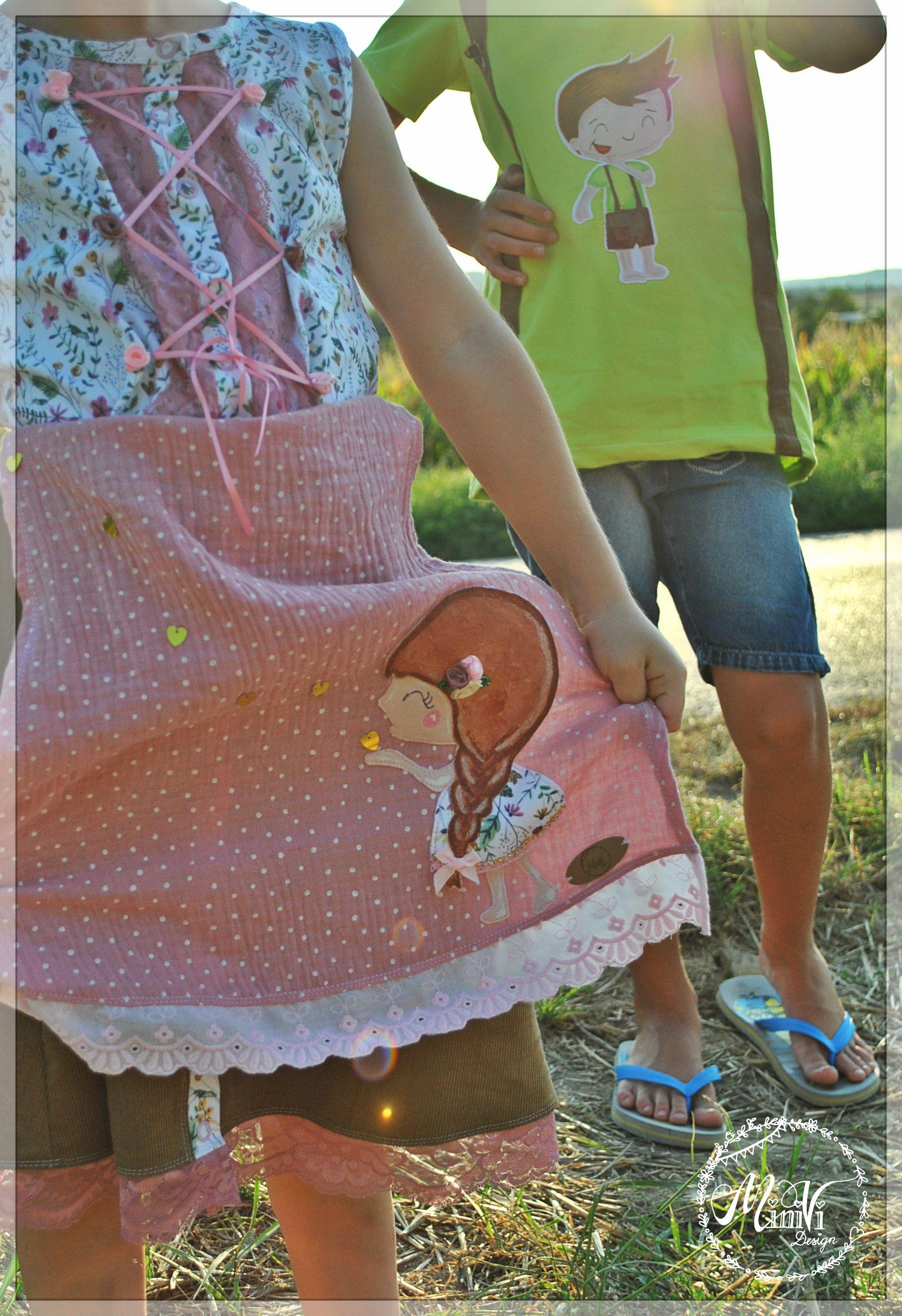 f91571c06b4 Ein zum Dirndl abgewandeltes Trägerkleid von Klimperklein und eine Mieze  (Rosarosa) im Trachtenstyle mit