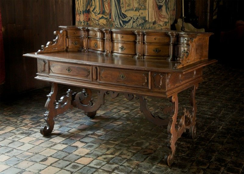 Writing desk late 17th or early 18th century italian for Cm motors florence sc