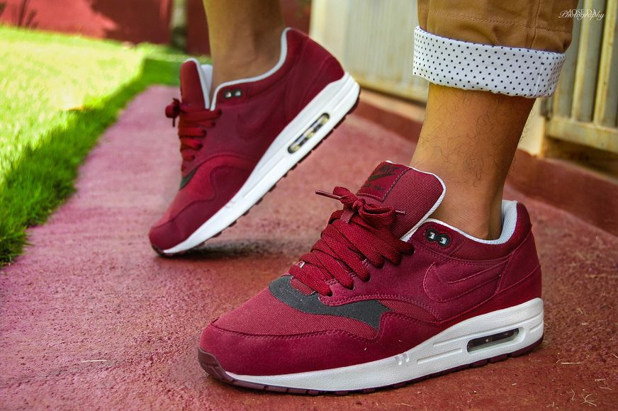 856c7be2ee328 Nike Air Max 1 - Team Red   Velvet Brown