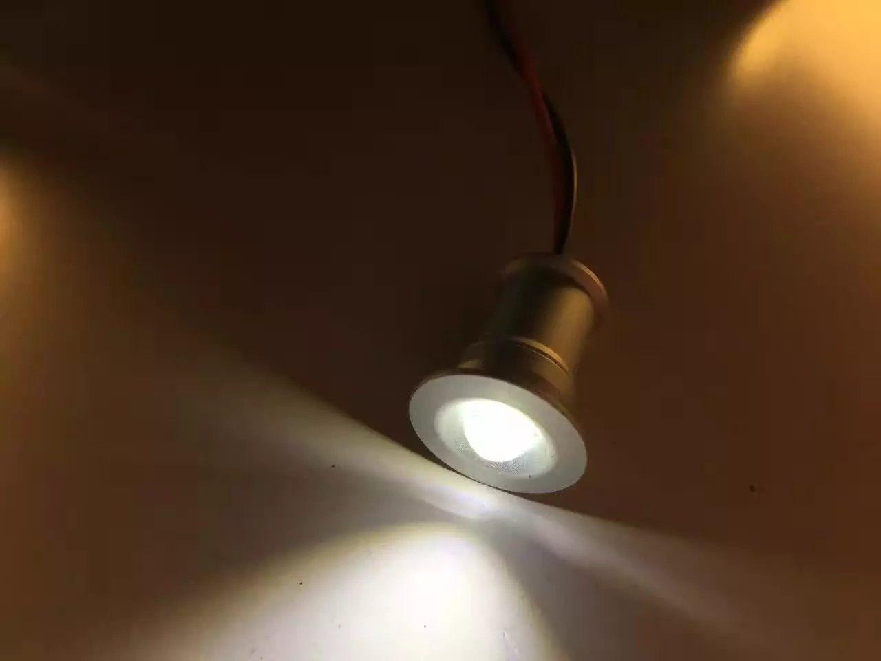 Mini led spotlight 1w recessed under cabinet light showcase tv rooms descubre ideas sobre debajo del gabinete mini led spotlight 1w recessed under cabinet light aloadofball Images