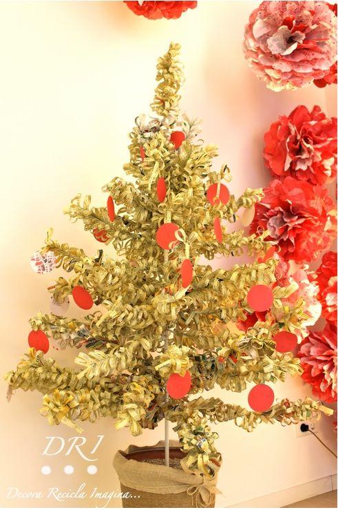 Decoraci n de navidad con papel reciclado rbol de - Decoracion navidad papel ...