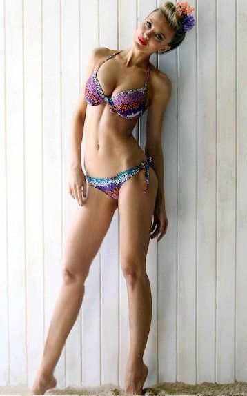 Bar paly bikini in pain amp gain 3