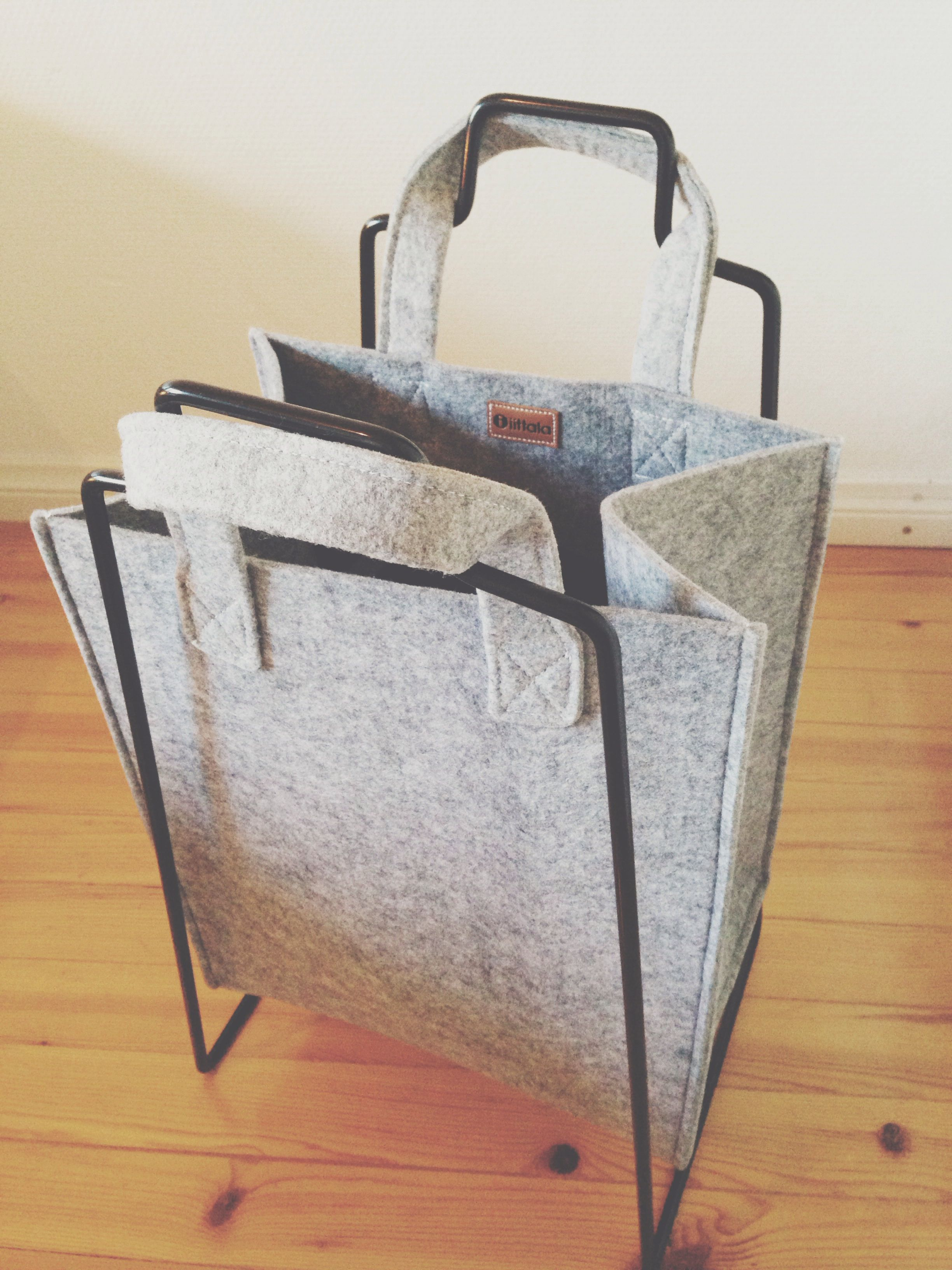 laundry bag, everyday design and Harri Koskinen for Iittala Meno felt bag