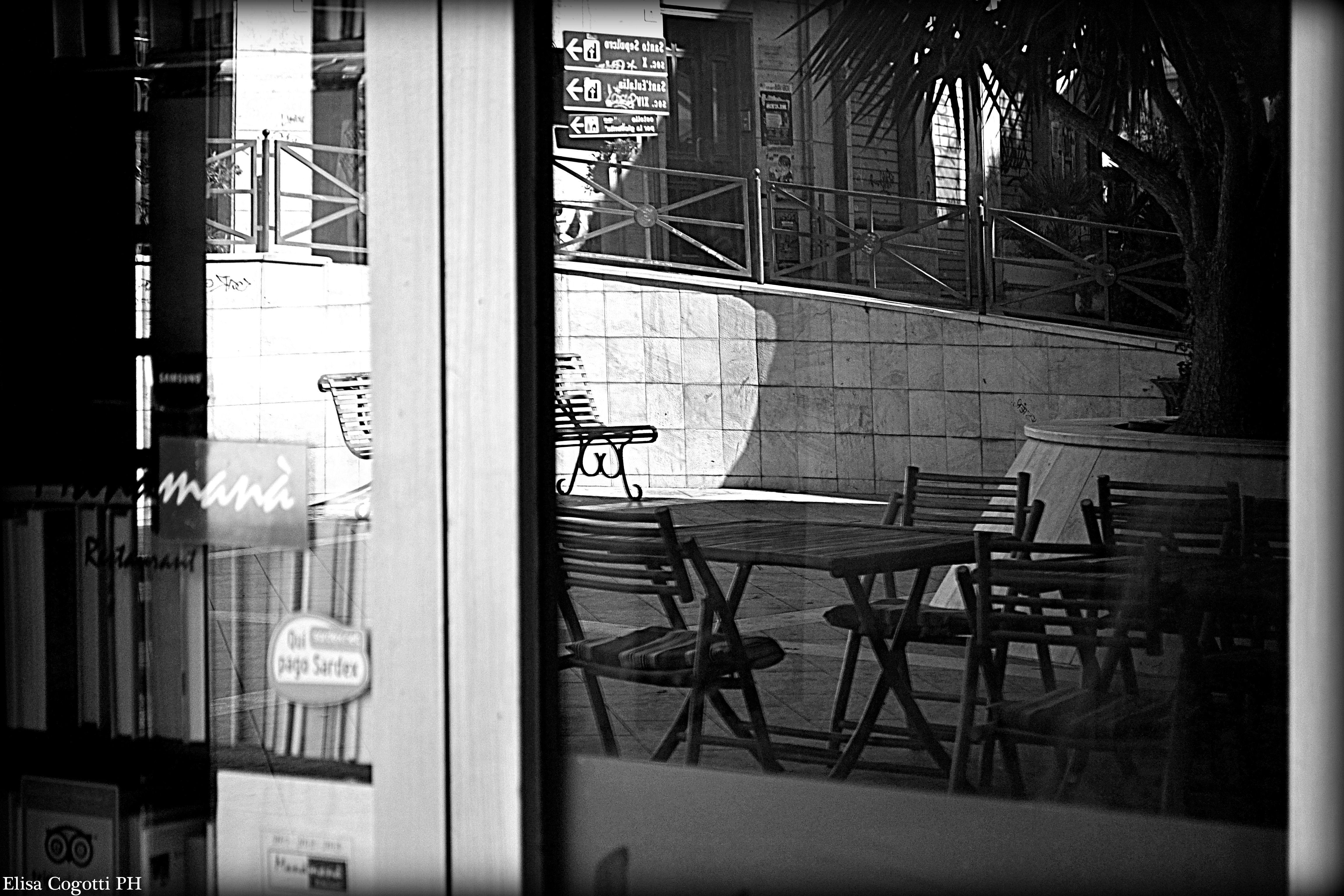 Bench reflected: Manà Manà  www.cely85.wordpress.com  nikon d3100