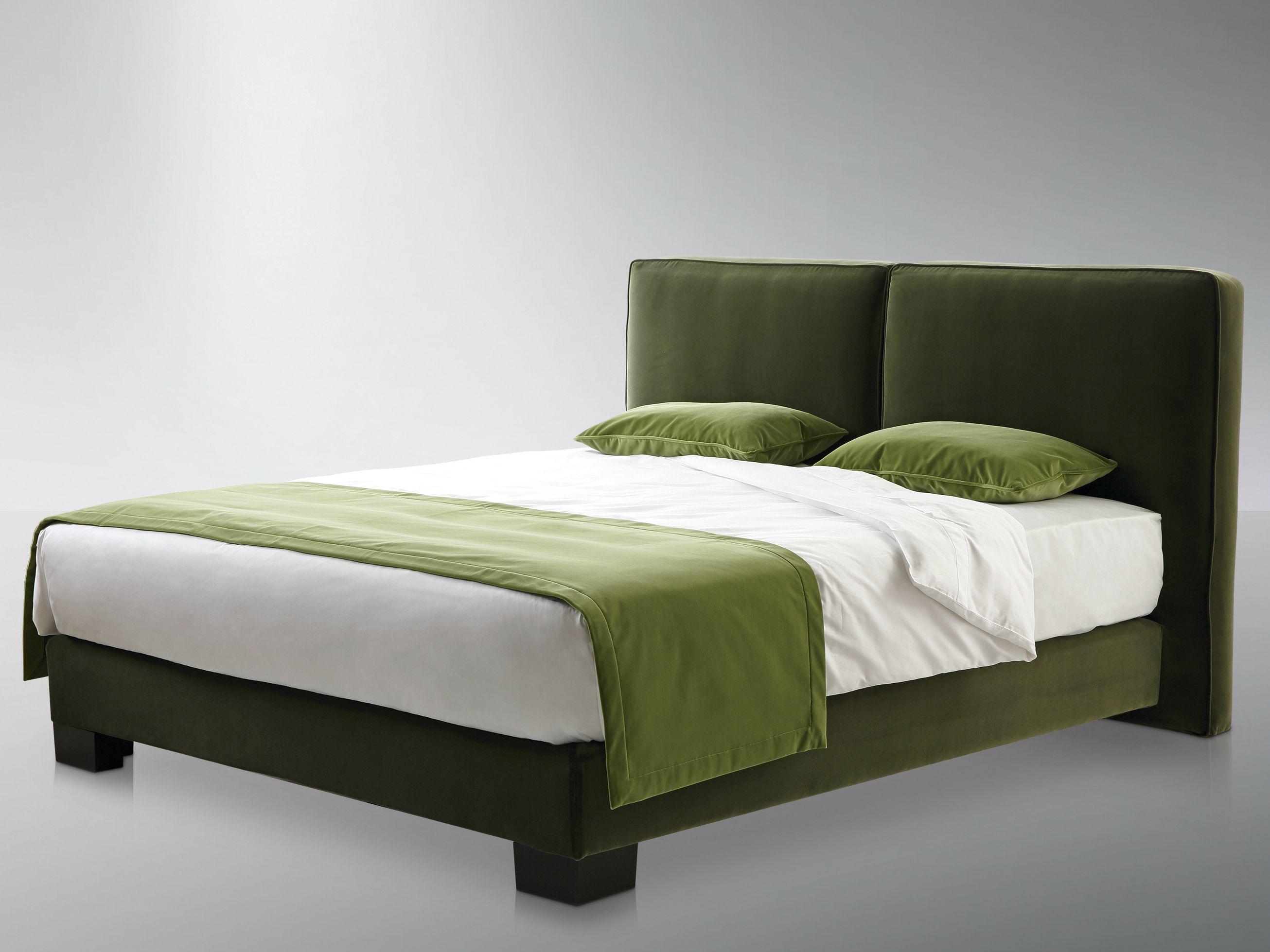Cabeceira alta estofada para camas de casal club by treca interiors paris design andreas weber - Testate letto matrimoniale ...