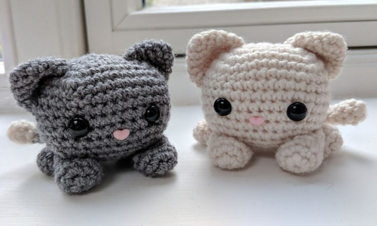 Free Cat Crochet Pattern Stripey ⋆ Crochet Kingdom | 450x750