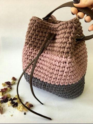 4 sencillos modelos de bolsos tejidos a crochet