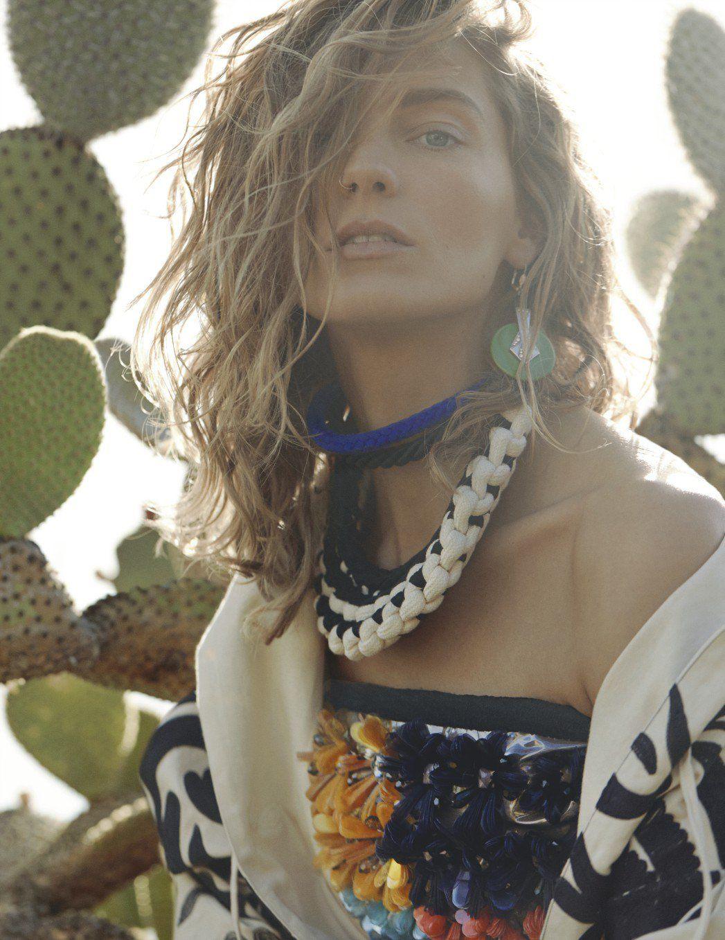 British Vogue on in 2020 Modellen, Kralen kettingen en