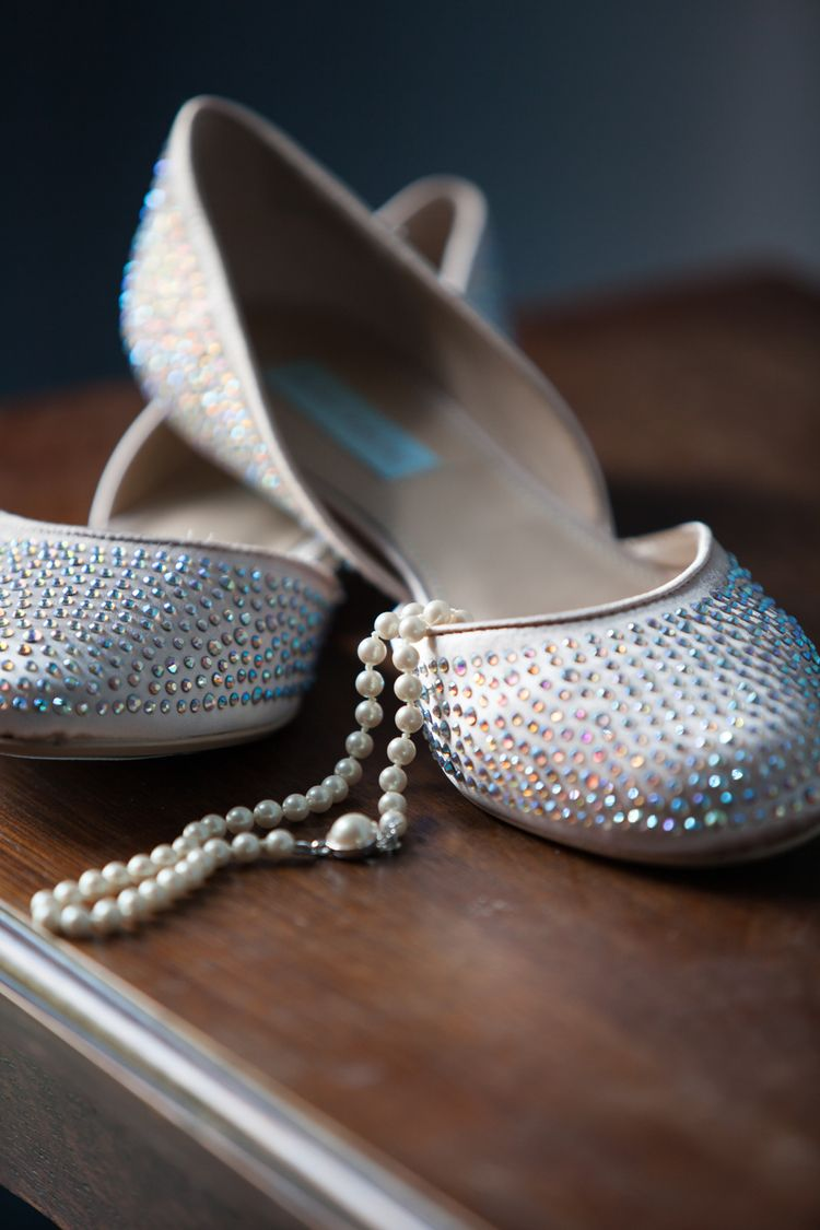Nashville Wedding at Concordia Lutheran by Nashville Wedding Photographers Jon Reindl Photography #wedding #shoes #photography #photographer #nashville #pearls