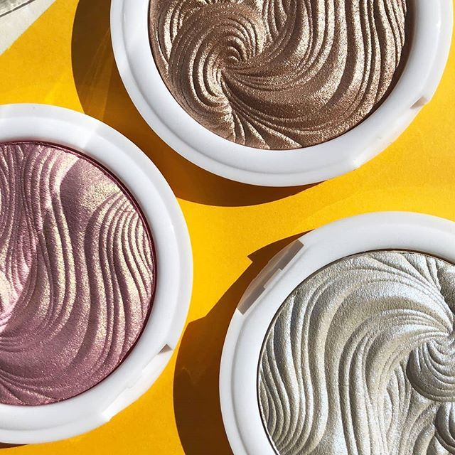 MUA's highlighting powder instantly radiates and lifts any