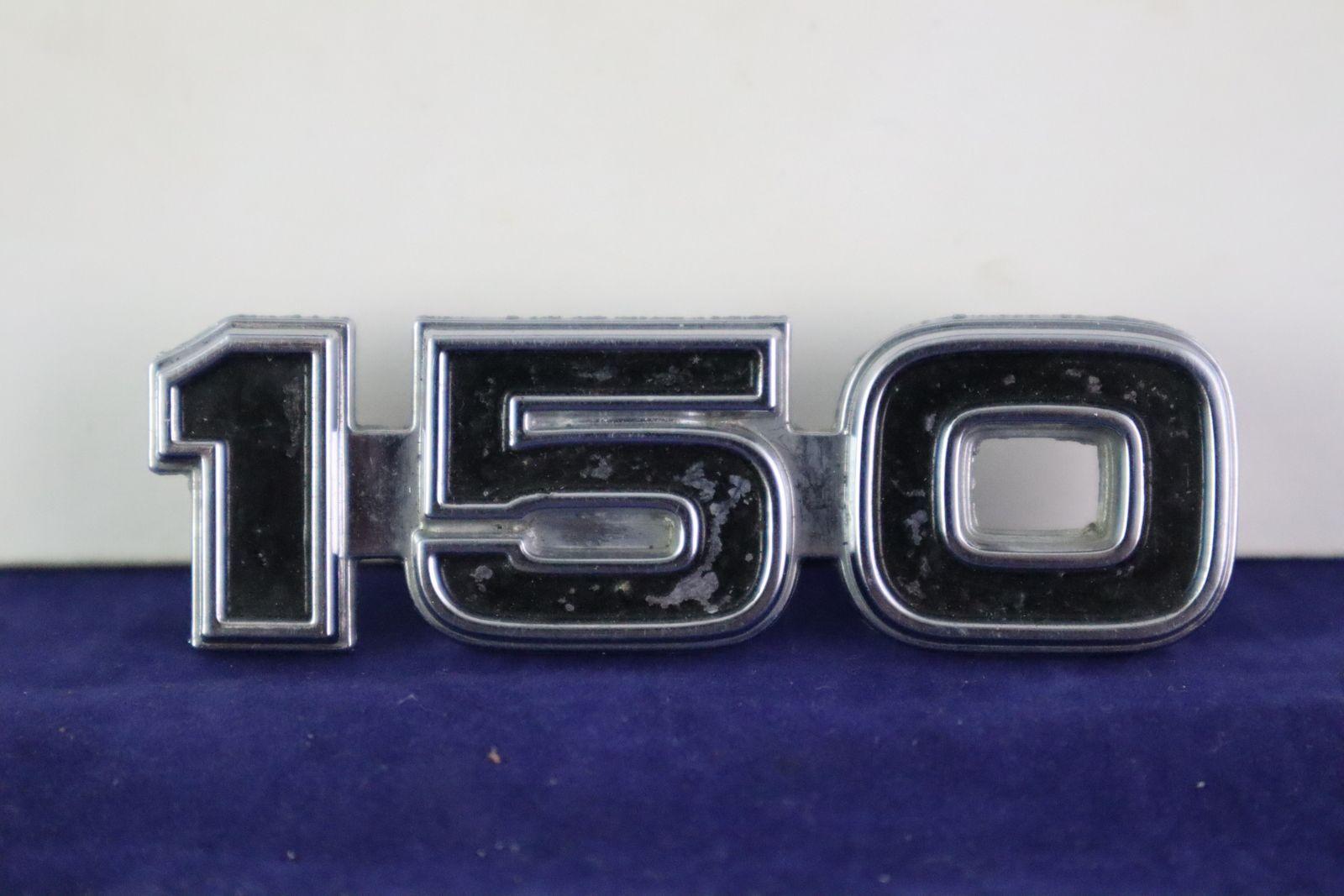 1975 1979 Ford Econoline 150 Metal Fender Emblem Oem D5ub In 2020 Ford Parts Emblems Classic Cars