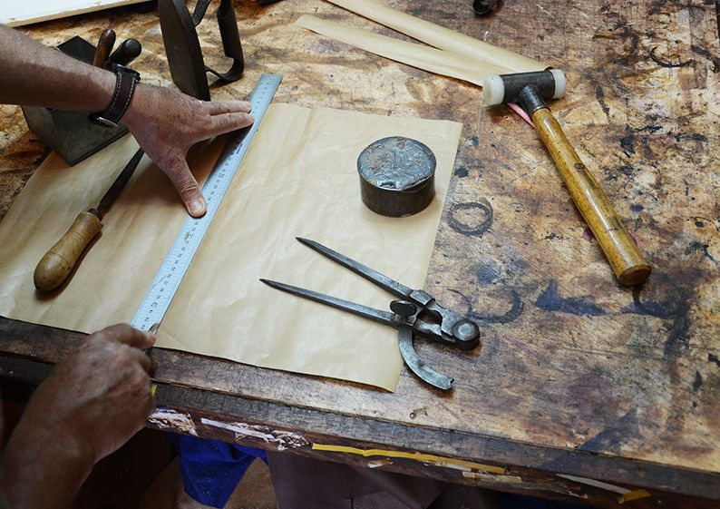 Just above the little village of Soller, in the North West of Mallorca, is Nivaldo de Lima's workshop. From the window he can see orange and lemon groves, and beyond these, the mountains. He built the workshop himself and has been working there since 1975. The leather he uses is from Italy and Spain, and …