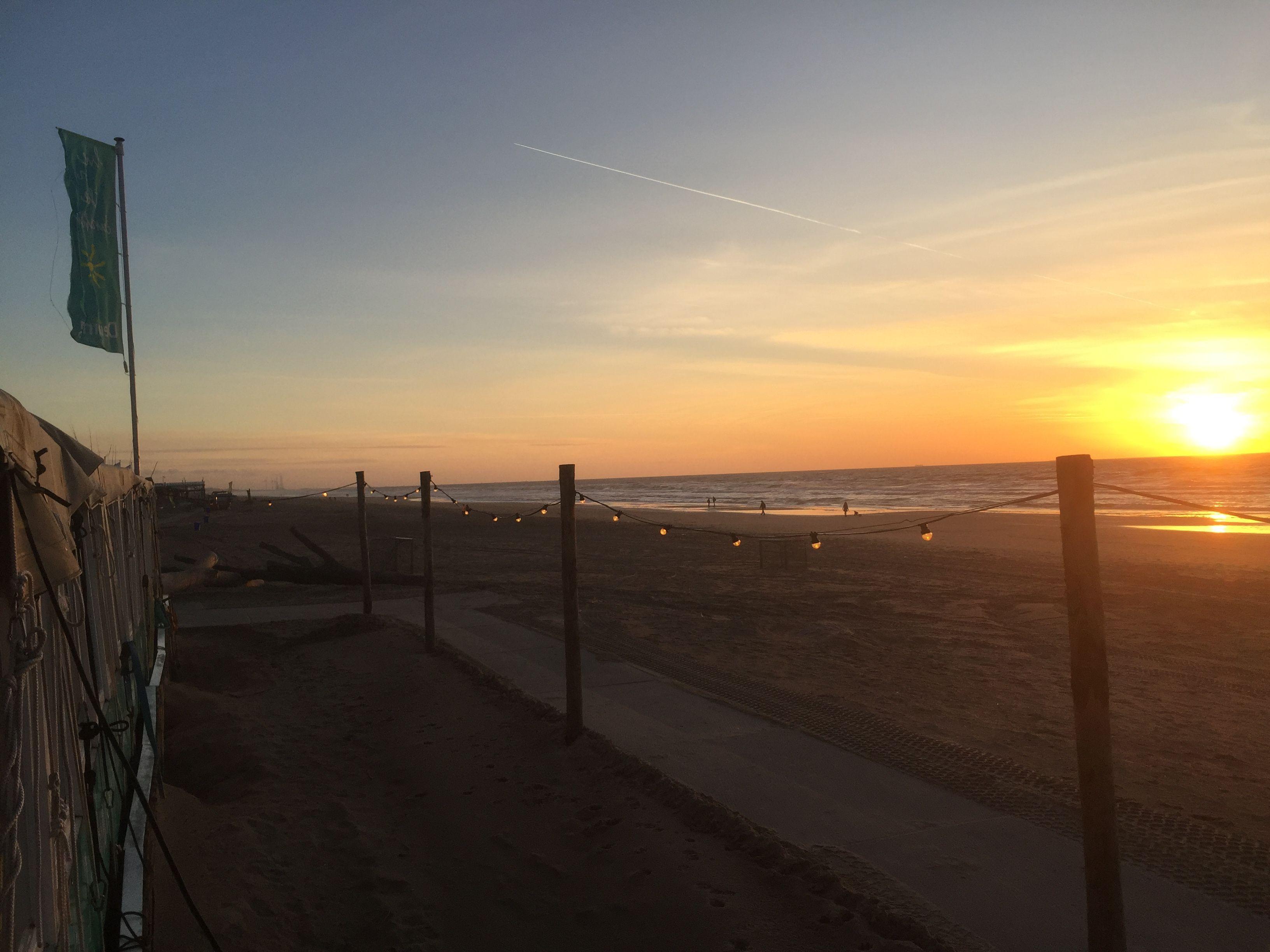 Kleurplaten Zonsondergang.Zonsondergang Aan Het Strand Van Castricum Fijne Avond En Tot