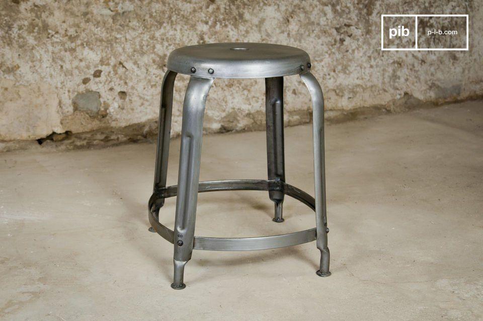 Sgabello industrial con rivetti sgabelli di design pinterest