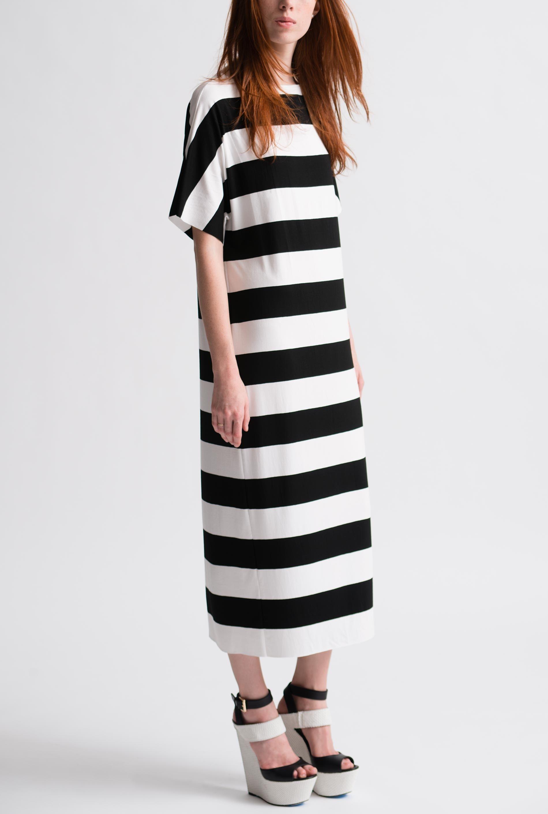 Black and White Mod Stripe Sheath Dress   Nadia Tarr