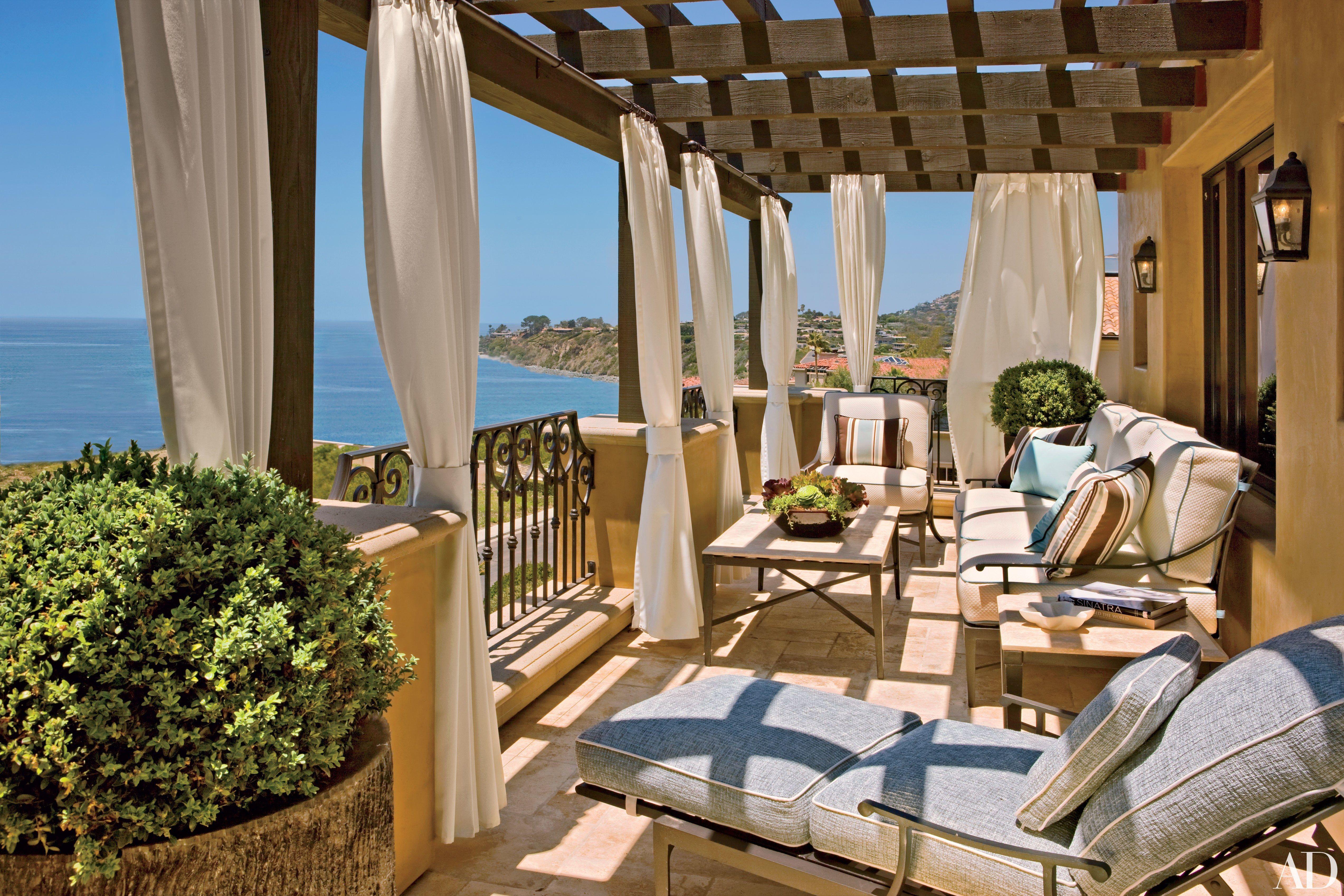 Take A Peek Into Magic Johnson S Tuscan Style Southern