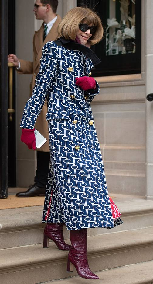 Anna Wintour Just Wore a Clutch Bag | Who What Wear UK