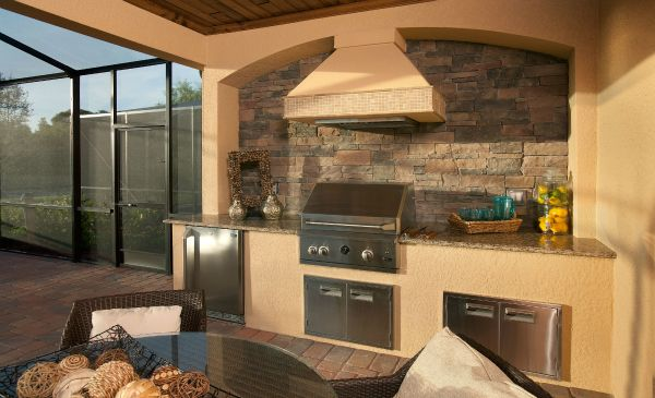There 39 s nothing like a barbeque in the summer but this for Outdoor kitchen designs florida