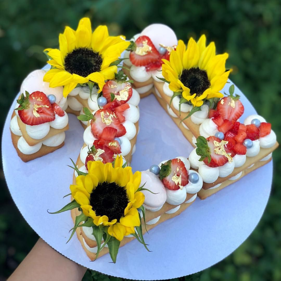 Swell Sunflowers Strawberries Number Cookie Cake With Images Funny Birthday Cards Online Necthendildamsfinfo
