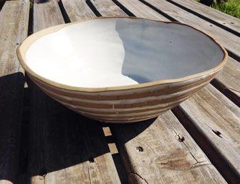 Que lindo!! Fuente grande de cerámica de 28 cm de ancho , por 9 cm de alto. 100% Handmade.