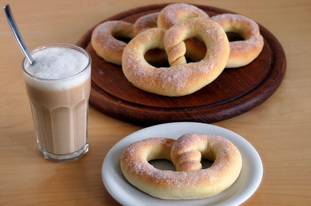 Martinsbrezel – eine süße und weiche Zucker-Brezel!