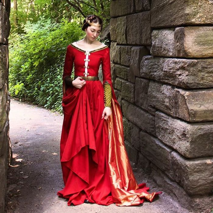 30 Stunning Historical Dresses Recreated By 'Extremely Outdated Fashion Blogger'