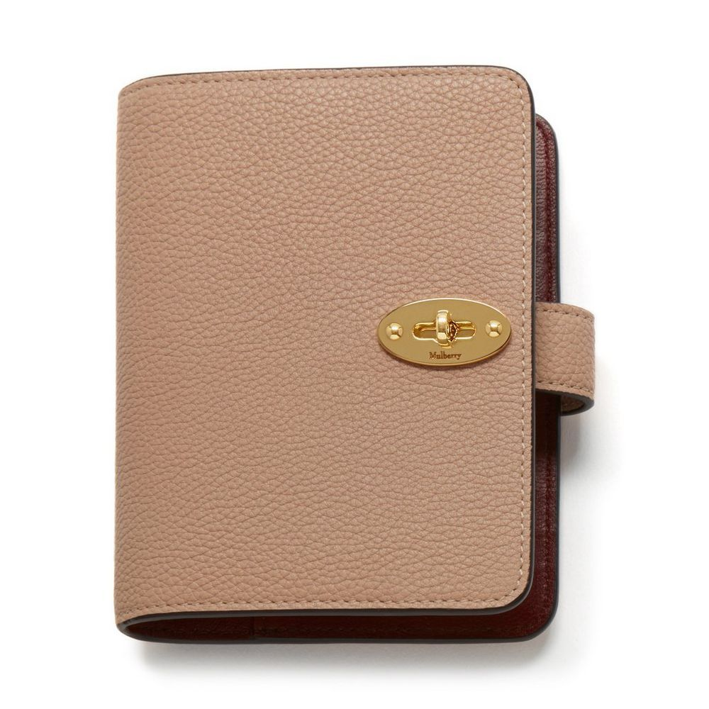 Shop the Postman s Pocket Book in Rosewater Small Classic Grain at Mulberry.com.  Thoughtfully equipped, the Postman s lock agenda is designed with four ... 64e26f5b52