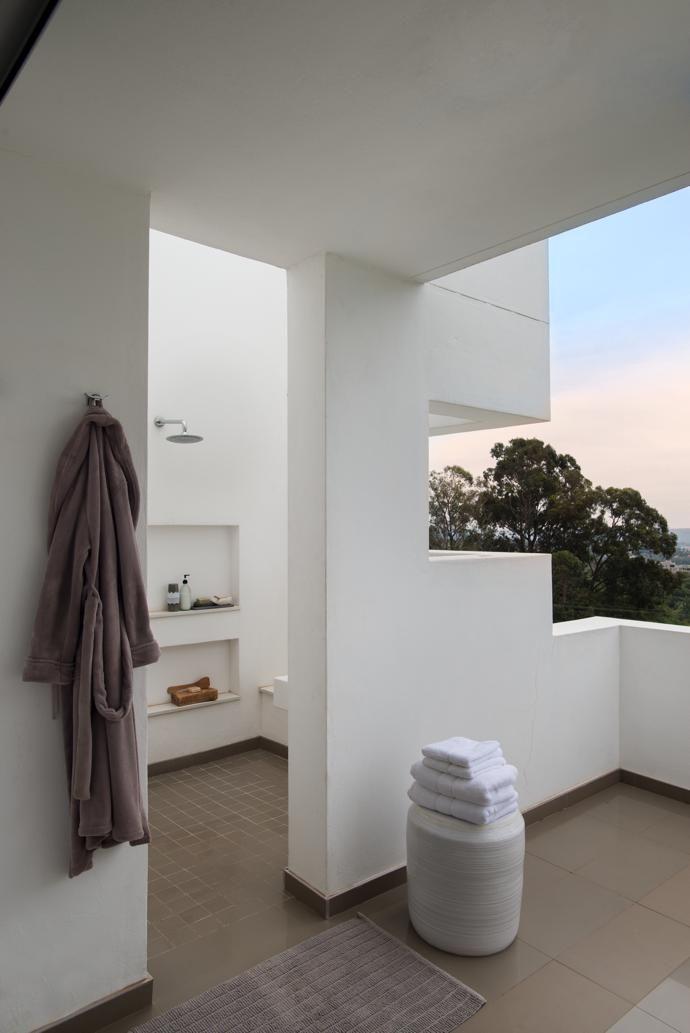 Waterkloof Ridge Family Home | Bathroom bliss | Home ...