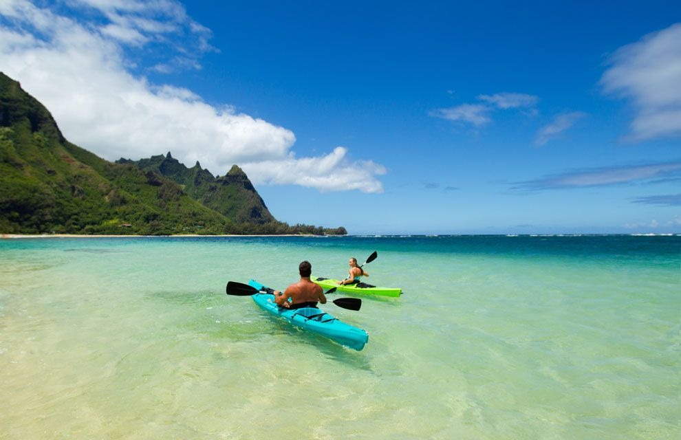 Sail along the clear turquoise waters on the Makua beach